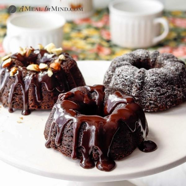 Paleo Chocolate Mini-Bundt Cakes