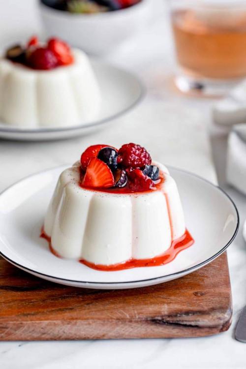 Classic Vanilla Panna Cotta