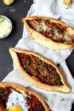 Pide - Turkish ground beef pizza