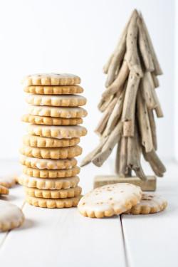 Polish Gingerbread Cookies (Pierniczki Tradycyjne)