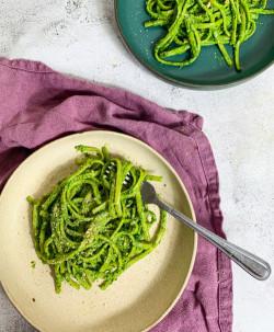 Vegan Spinach and Basil Pesto   Super green pasta