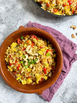 Easy Vegan Egg Fried Rice With Tofu and Vegetables